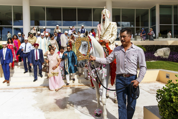 indian wedding baraat,baraat procession,indian groom,baraat horse
