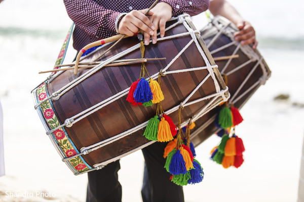 indian wedding baraat,baraat procession,baraat,dhol player