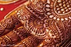 mehndi,golden mehndi art,indian bride mehndi