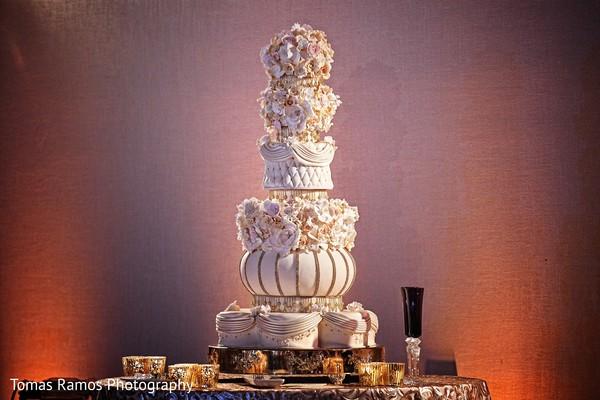 indian wedding decor,indian wedding cake,indian wedding cake decor