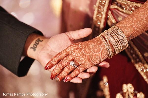 indian bride,indian brides jewelry,indian bride mehndi art