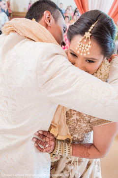indian bride and groom,indian bride hair and makeup,indian wedding ceremony