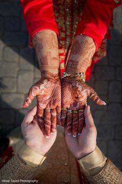 indian wedding ceremony fashion,indian bride and groom,indian wedding mehndi art.