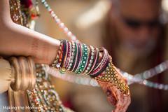 indian bride jewelry,mehndi,bangles