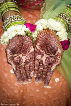 indian wedding gallery,indian bride,indian bride mehndi