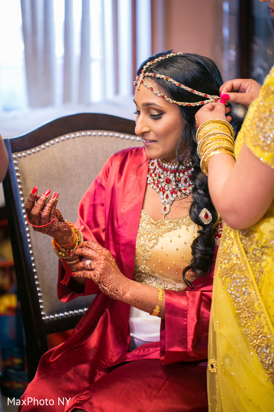 See this beautiful indian bride getting ready