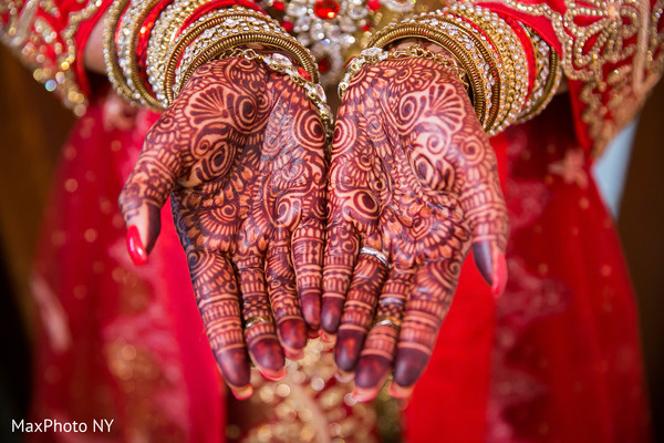 Perfect indian bridal mehndi art