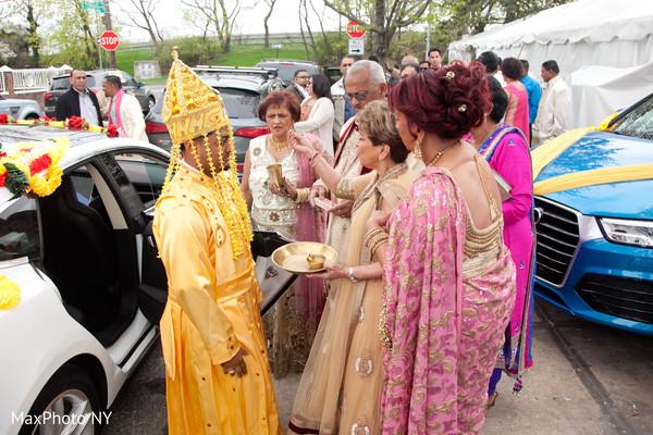 See this elegant indian groom capture