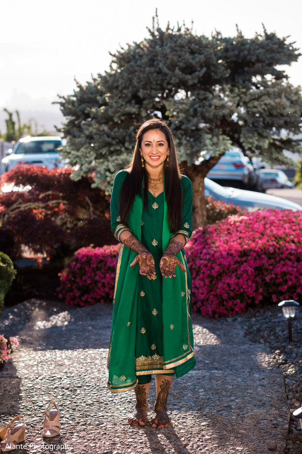 indian wedding gallery,indian pre-wedding celebrations,mehndi art,outdoor photography