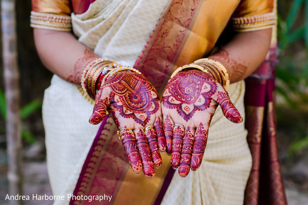 bridal mehndi,indian bride mehndi