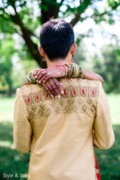 indian bride and groom,indian wedding fashion,indian bride mehndi,indian bride henna art
