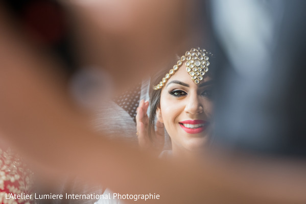 indian wedding gallery,indian bride getting ready,indian bride,bridal jewelry