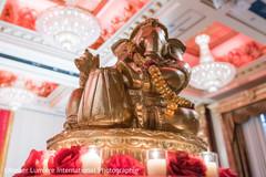 Ganesh statue decor
