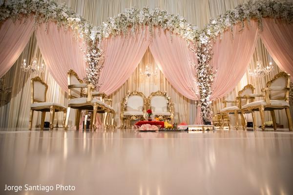 Spectacular Indian Wedding Stage Decor Photo 168429
