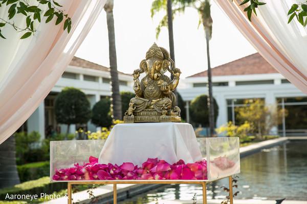 indian wedding ceremony,indian wedding mandap,indian wedding flowers decor,ganesha