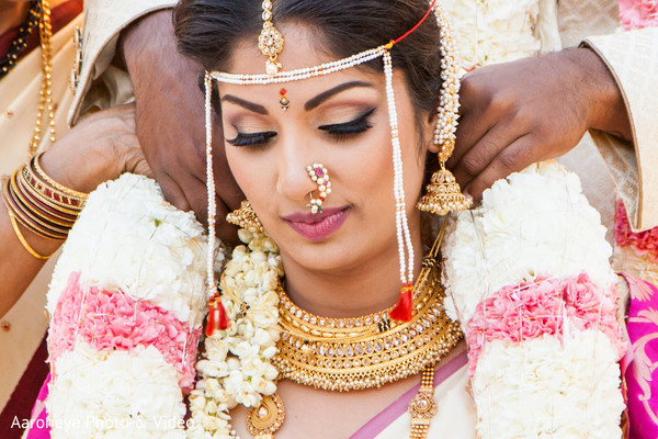 indian bride and groom,indian wedding ceremony fashion,indian wedding ritual