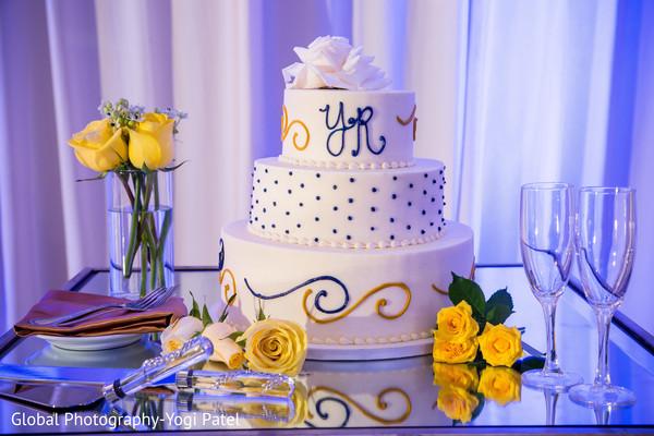 Splendid indian wedding cake