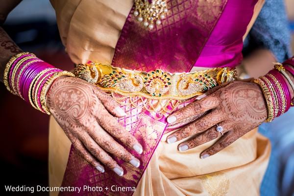 Magnificent Indian bride mehndi art.