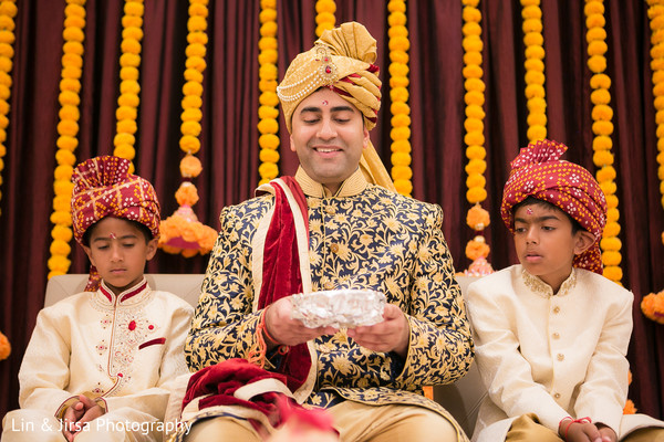 See this elegant indian groom