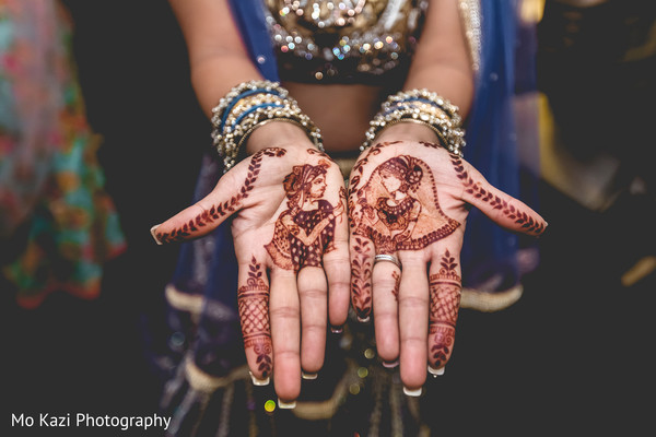 indian bride,indian bride's bangles,indian wedding fashion,mehndi art