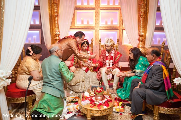 indian wedding fashion,indian bride and groom,indian wedding ritual