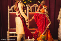 indian bride and groom,indian wedding ritual,indian wedding tie the knot,indian wedding sacred fire