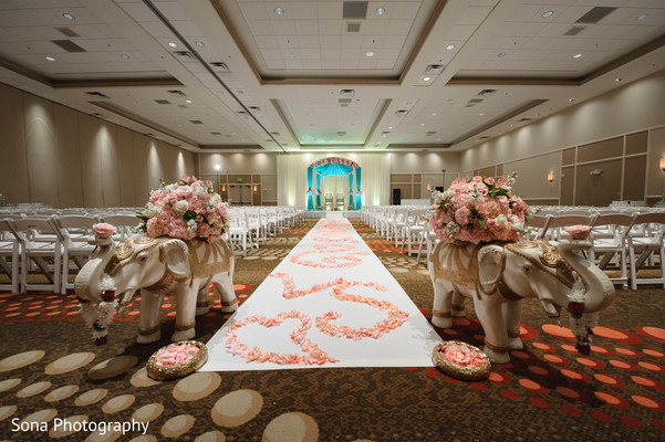 indian wedding flowers decor,indian wedding aisle decor,indian wedding details,indian wedding elephant decor