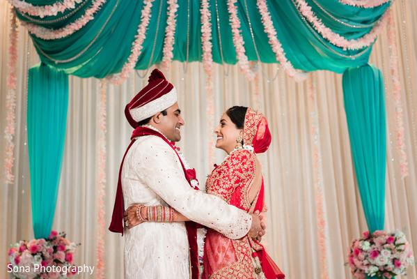 indian bride and groom,indian wedding ceremony,indian wedding fashion,indian wedding mandap