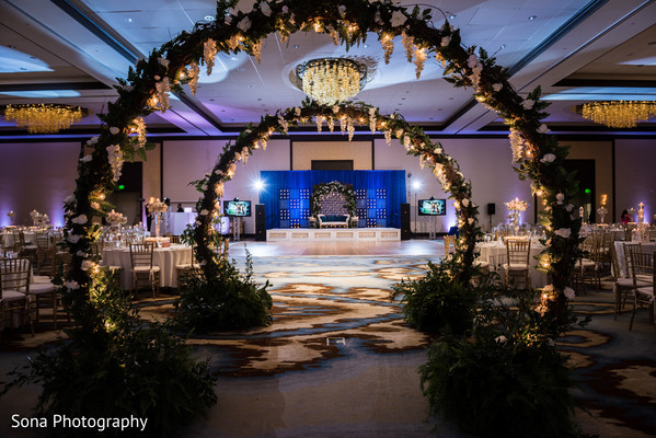 indian wedding table setup,indian wedding reception decor,indian wedding dance floor