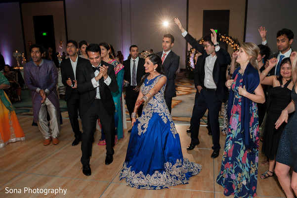 indian bride and groom,indian wedding reception fashion,indian wedding reception dance