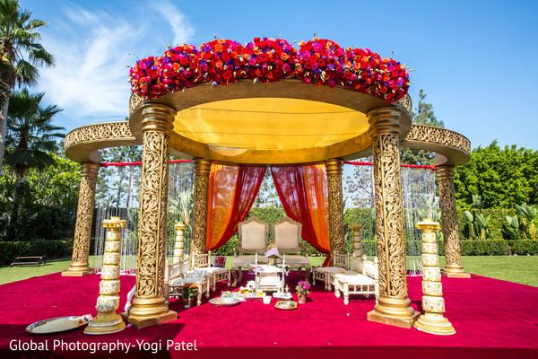 Majestic Indian Wedding Ceremony Mandap Decoration Photo 170850