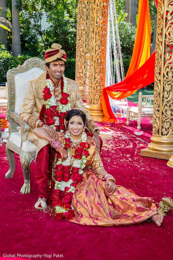 Indian Couple Posing For A Photograph At The Wedding Ceremony Mandap Photo 171104