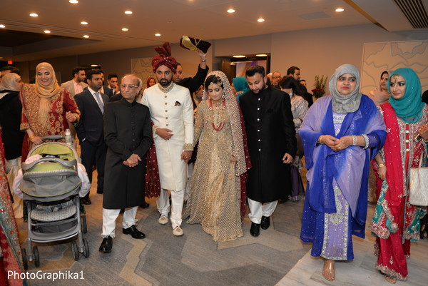 indian wedding ritual,indian bride and groom,indian wedding fashion