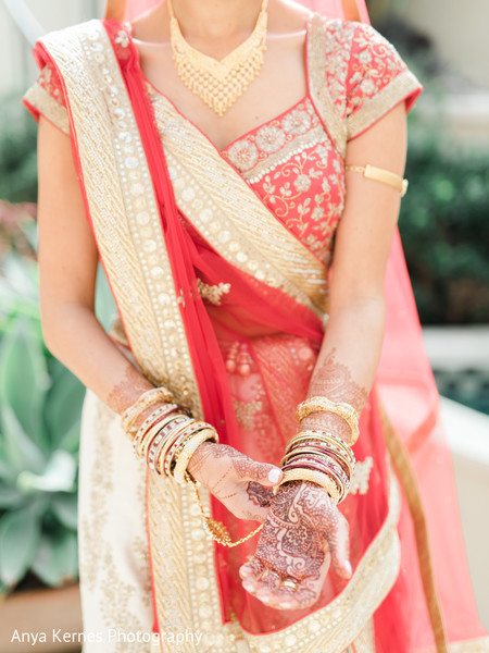 indian bride jewelry,indian bridal fashion,indian bride mehndi art