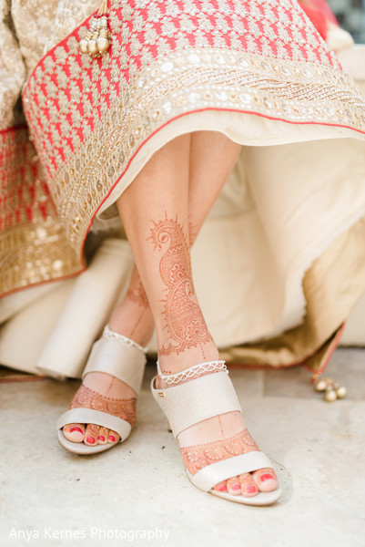 indian bride jewelry,indian bridal fashion,indian bride mehndi art,indian bride's shoes