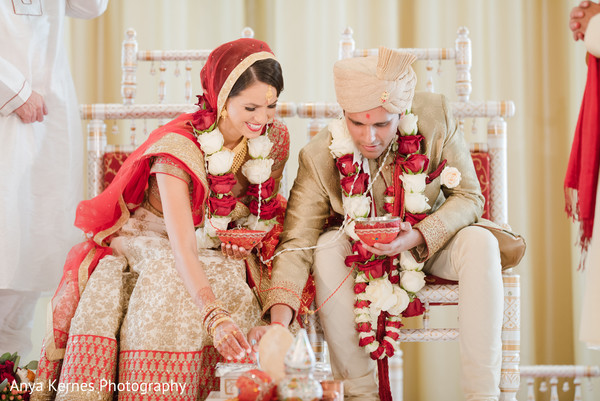 indian bride and groom,indian wedding ceremony fashion,indian wedding ceremony