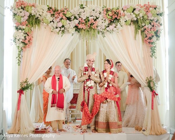 indian bride and groom,indian wedding ceremony ritual,indian wedding fashion