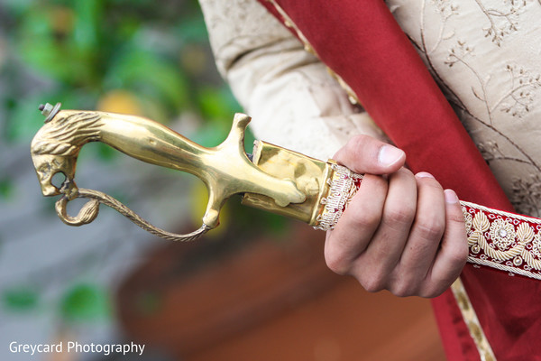 indian groom,indian groom's sword,indian wedding fashion