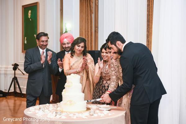 indian bride and groom,indian wedding fashion,indian wedding cake