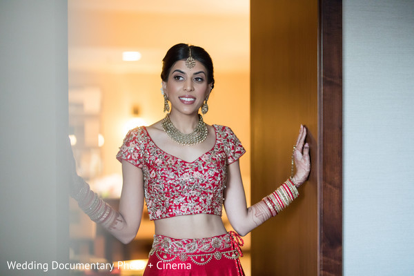 Gorgeous Indian bride wearing her Lehnga.