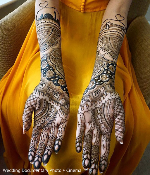 Fascinating Indian bridal mehndi art.