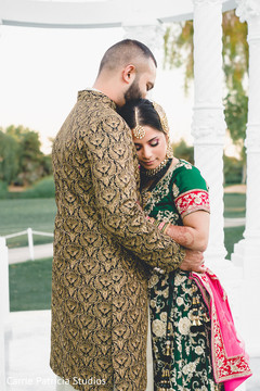Stunning image of this lovely Indian couple.