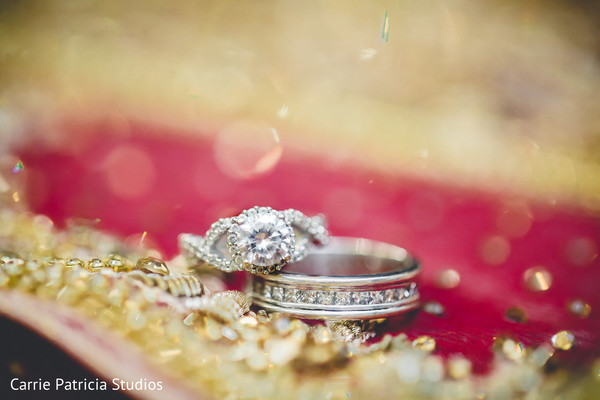 Magnificent Indian wedding bands and engagement ring capture.