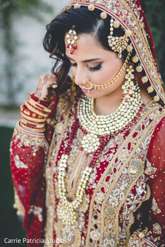 indian bride's fashion,indian bride's jewelry,indian bride's hair and makeup,mehndi