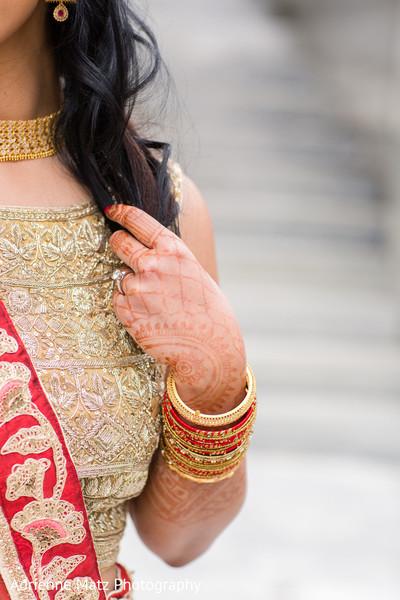 Fabulous indian bride's mehndi