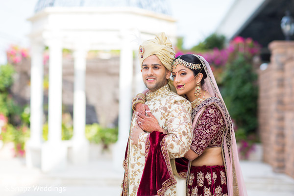 indian wedding fashion,indian bride jewelry,indian bride hair and makeup,indian bride and groom