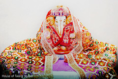 Ganesh statue decor