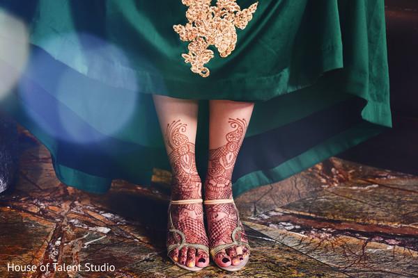 indian wedding gallery,bridal mehndi,indian bride