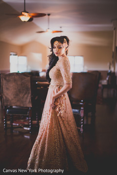 indian bride,indian bridal hair and makeup,indian wedding fashion,indian bridal jewelry