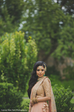 indian bride,indian wedding fashion,indian bride's hair and makeup,indian bridal jewelry